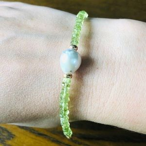 Peridot Baroque Pearl and 14k Yellow Gold Bracelet